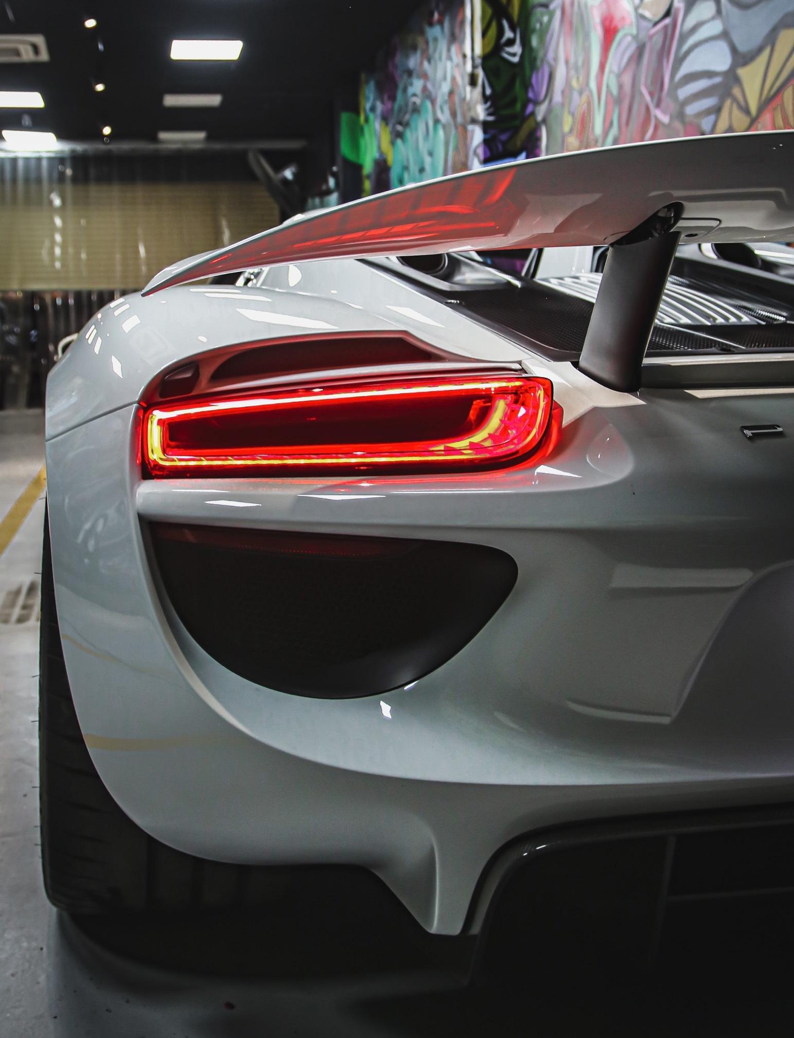 Siêu xe đắt nhất của Porsche về Việt Nam, giá khoảng 60 tỷ đồng - Ảnh 5.