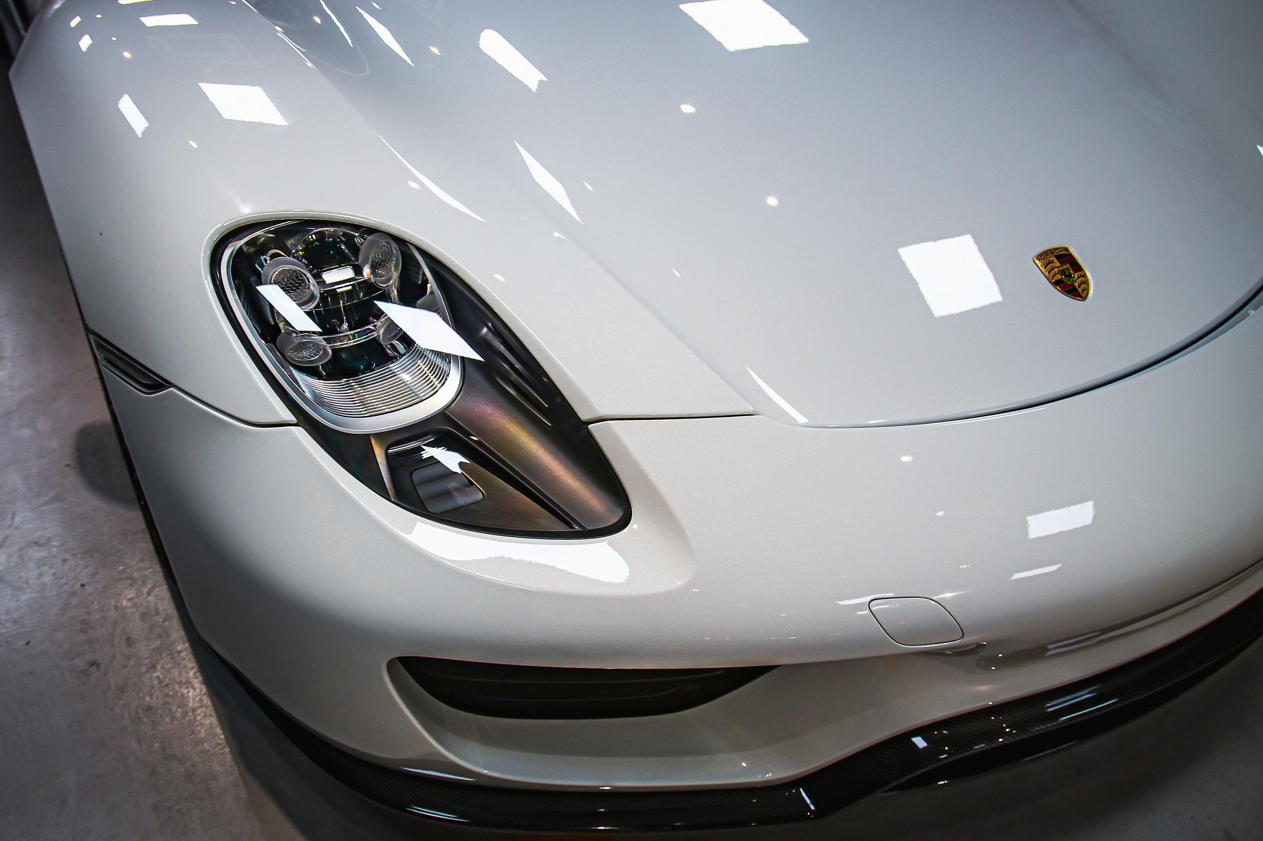 Siêu xe đắt nhất của Porsche về Việt Nam, giá khoảng 60 tỷ đồng - Ảnh 11.