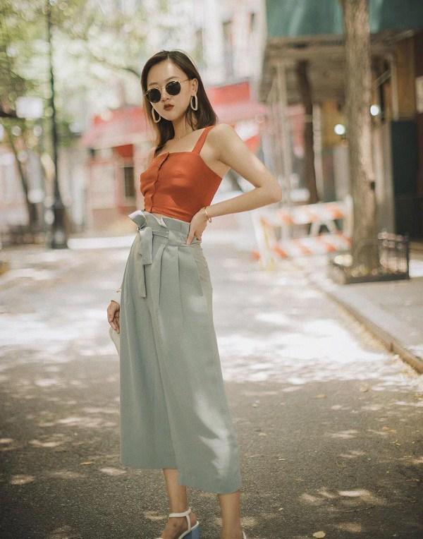 Đây là kiểu quần mốt nhất hè này, hội quý cô sành điệu hay diện để trông cao và gầy - Ảnh 2.