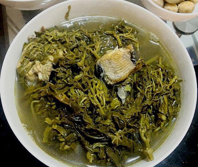 Canh rau sắn chua nấu cá - Đặc sản bình dị của người dân đất Tổ Vua Hùng - Ảnh 6.