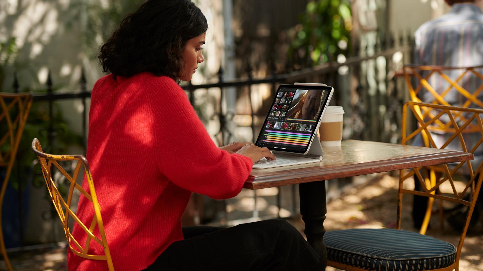 Apple ra mắt iPhone mới màu tím, iPad M1, AirTag và iMac - Ảnh 2.