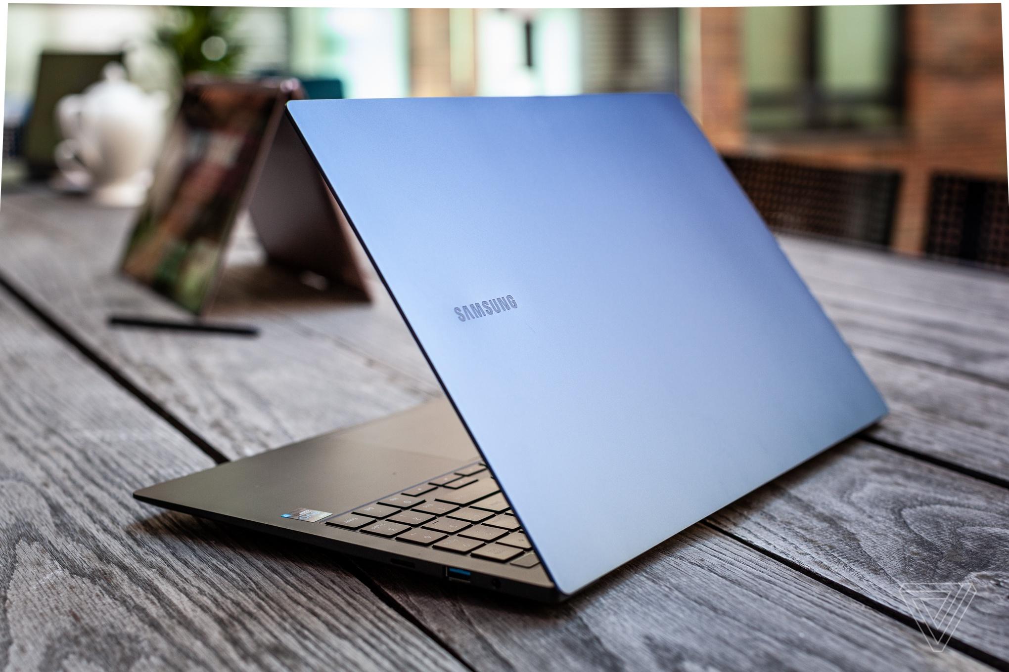 Samsung ra mắt laptop Windows màn hình OLED, nặng chưa tới 1 kg - Ảnh 13.