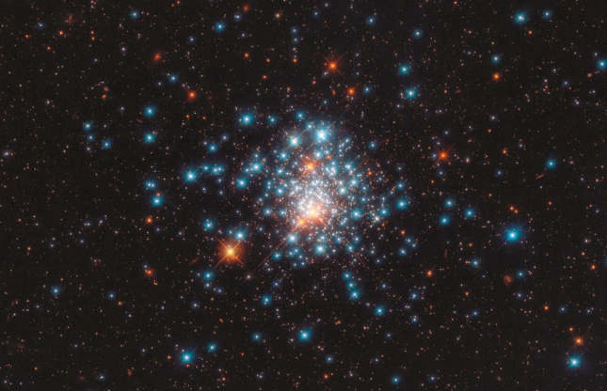 Chiêm ngưỡng những hình ảnh ấn tượng của vũ trụ được NASA ghi lại - Ảnh 15.