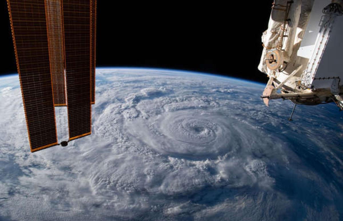 Chiêm ngưỡng những hình ảnh ấn tượng của vũ trụ được NASA ghi lại - Ảnh 2.