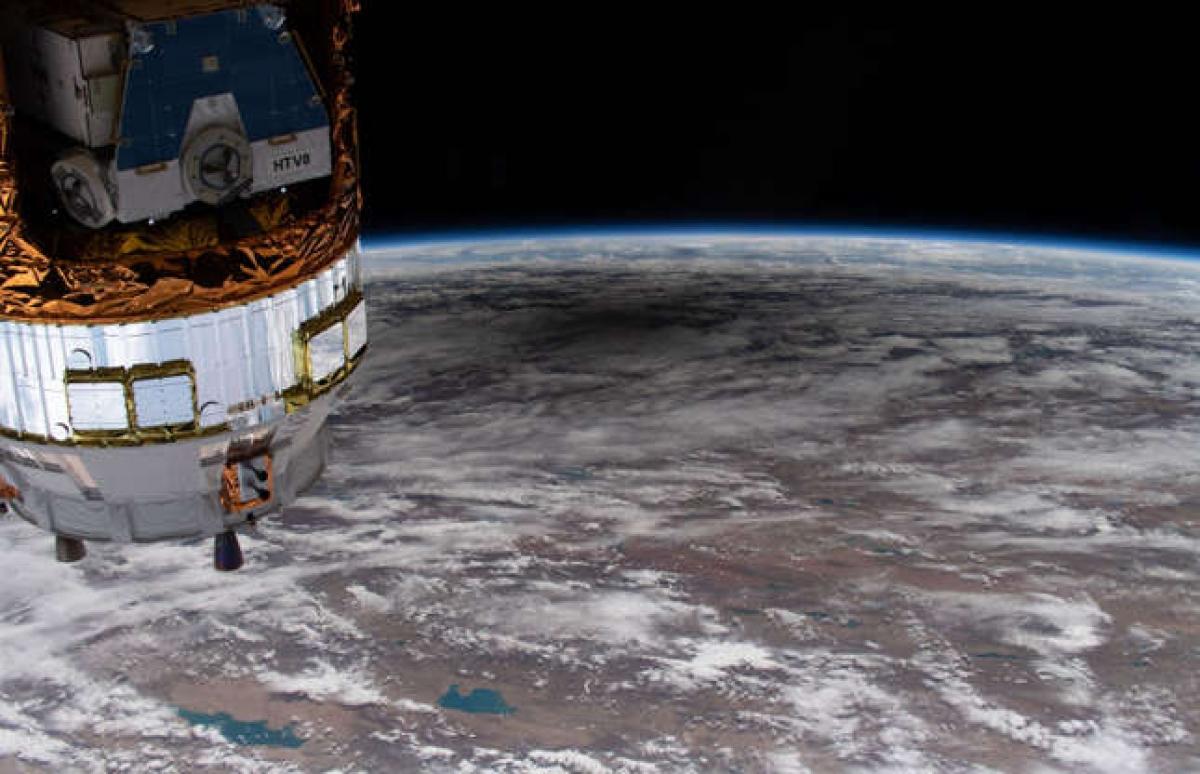 Chiêm ngưỡng những hình ảnh ấn tượng của vũ trụ được NASA ghi lại - Ảnh 7.