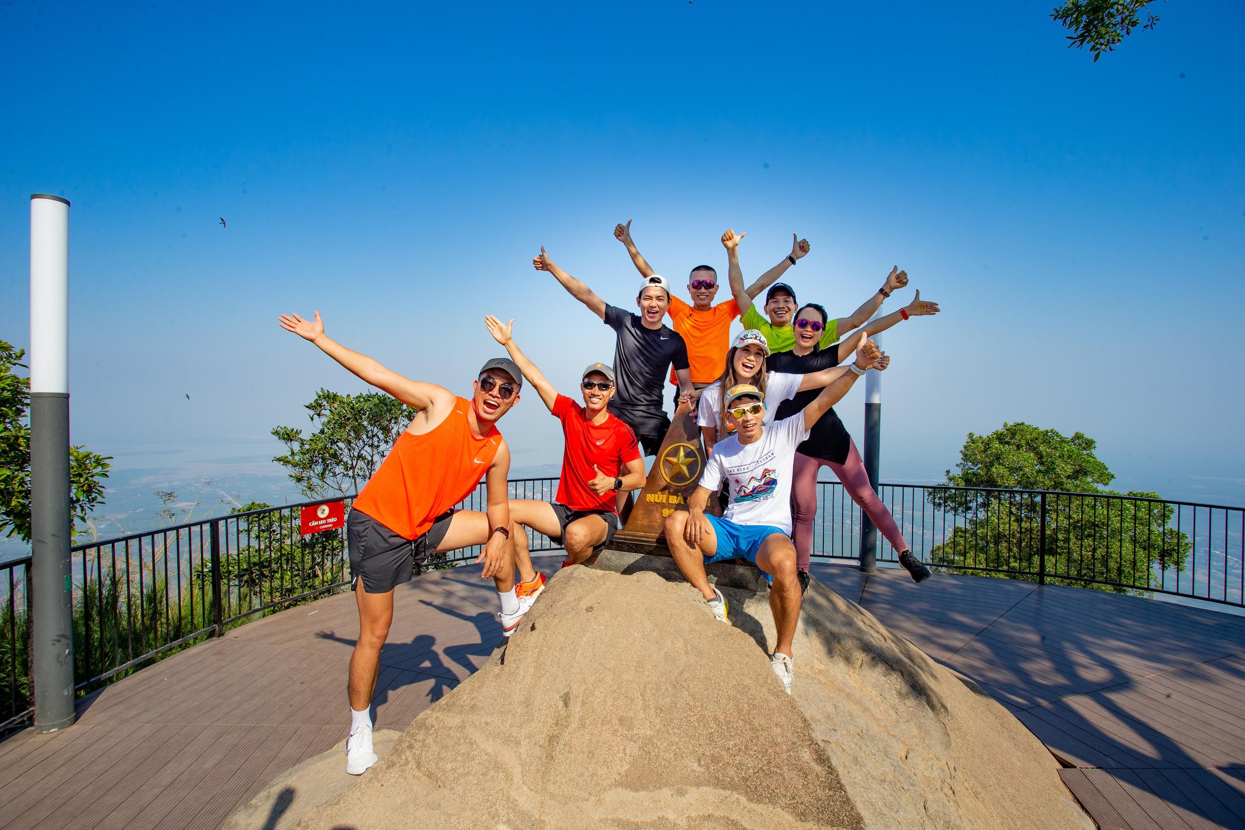 Tây Ninh: Lần đầu tiên tổ chức giải marathon khám phá núi Bà Đen - Ảnh 3.