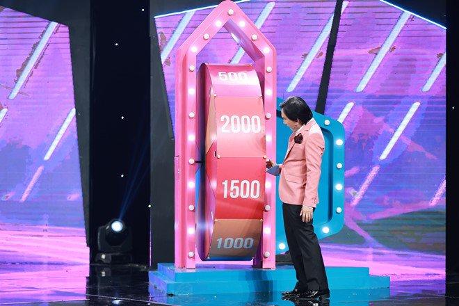 'Thánh ăn gian' Kim Tử Long có hành động gây cảm phục trên truyền hình - Ảnh 4.