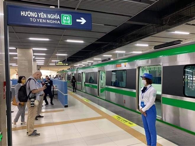 Hành khách sẽ đi tàu đường sắt trên cao Cát Linh - Hà Đông thế nào? - Ảnh 11.