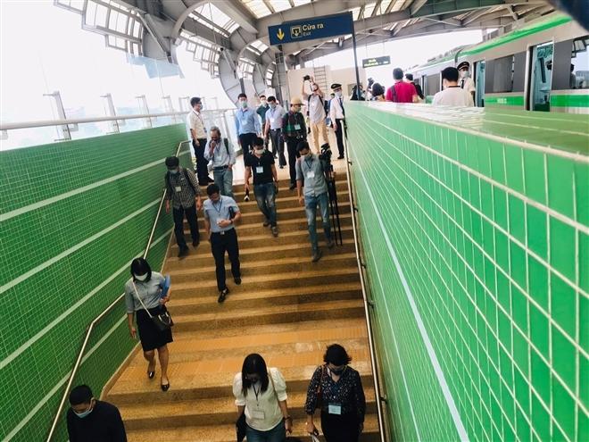 Hành khách sẽ đi tàu đường sắt trên cao Cát Linh - Hà Đông thế nào? - Ảnh 27.