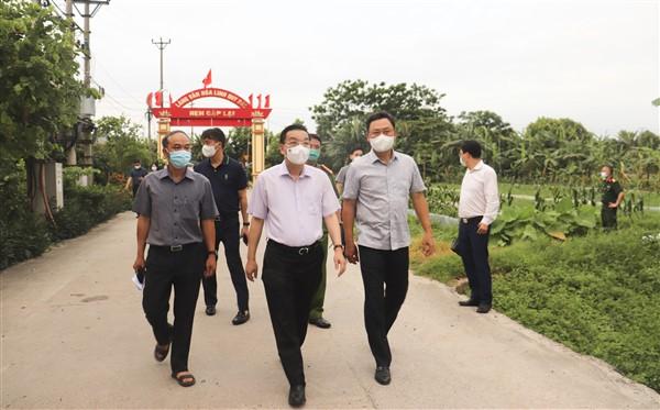 Chủ tịch UBND thành phố Hà Nội Chu Ngọc Anh: Tận dụng tối đa 48 giờ vàng để khống chế dịch COVID-19 - Ảnh 1.