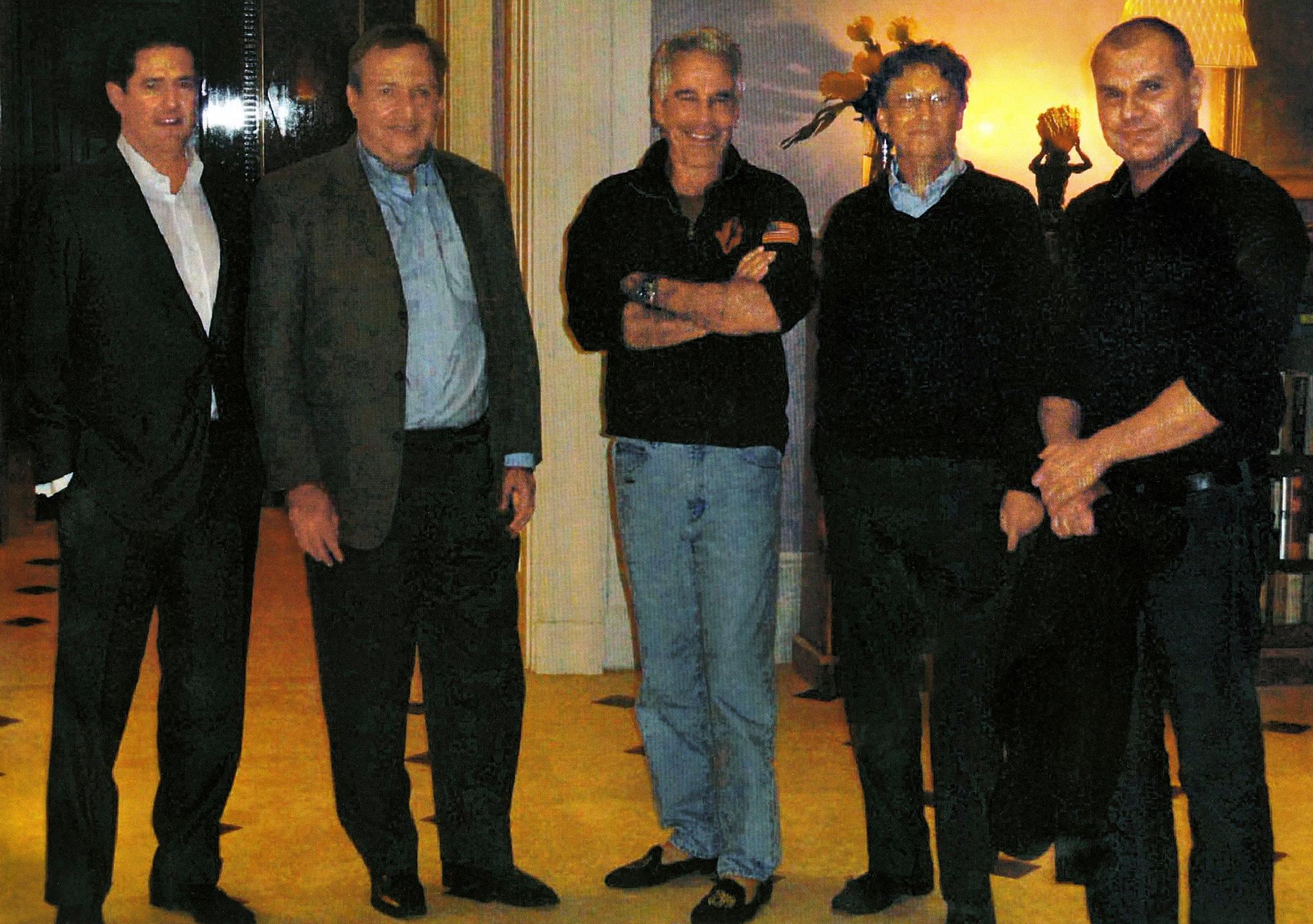 Những bê bối của Bill Gates trước khi ly dị vợ - Ảnh 4.