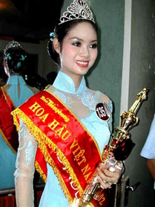Cuộc sống 'bí ẩn' của Top 3 Hoa hậu Việt Nam 2002 - Ảnh 1.
