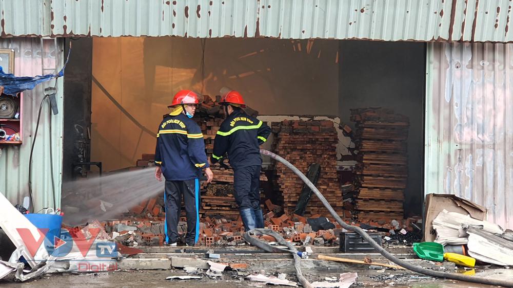 Cháy ở Công ty Cổ phần gỗ Tâm Thuận Phát.jpg