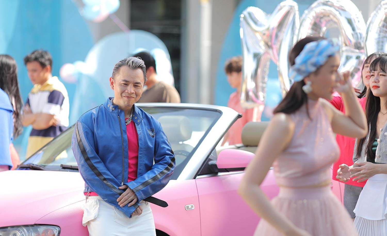 """Bất ngờ với loạt ảnh đậm chất """"goodboy"""" của Binz trong hậu trường MV với  - Ảnh 1."""