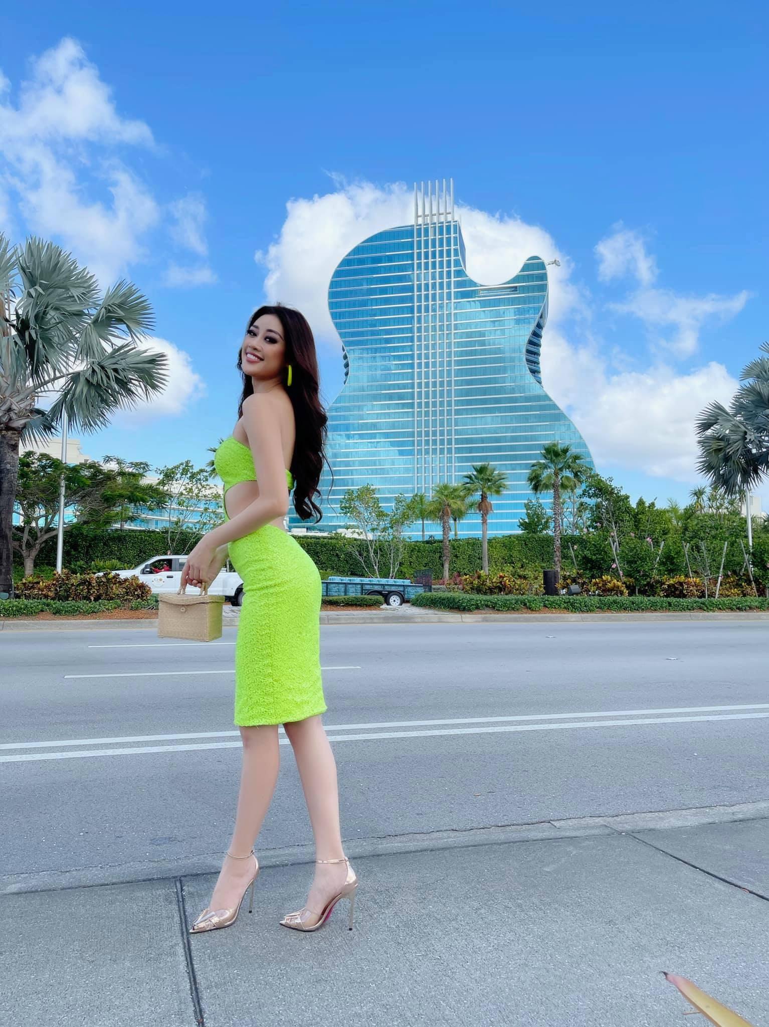 """Khánh Vân cập nhật tình hình tại Mỹ dự Miss Universe 2020:  Từ thần thái đến body """"nóng bỏng mắt"""" thế này chắc đối thủ cũng phải dè chừng - Ảnh 7."""