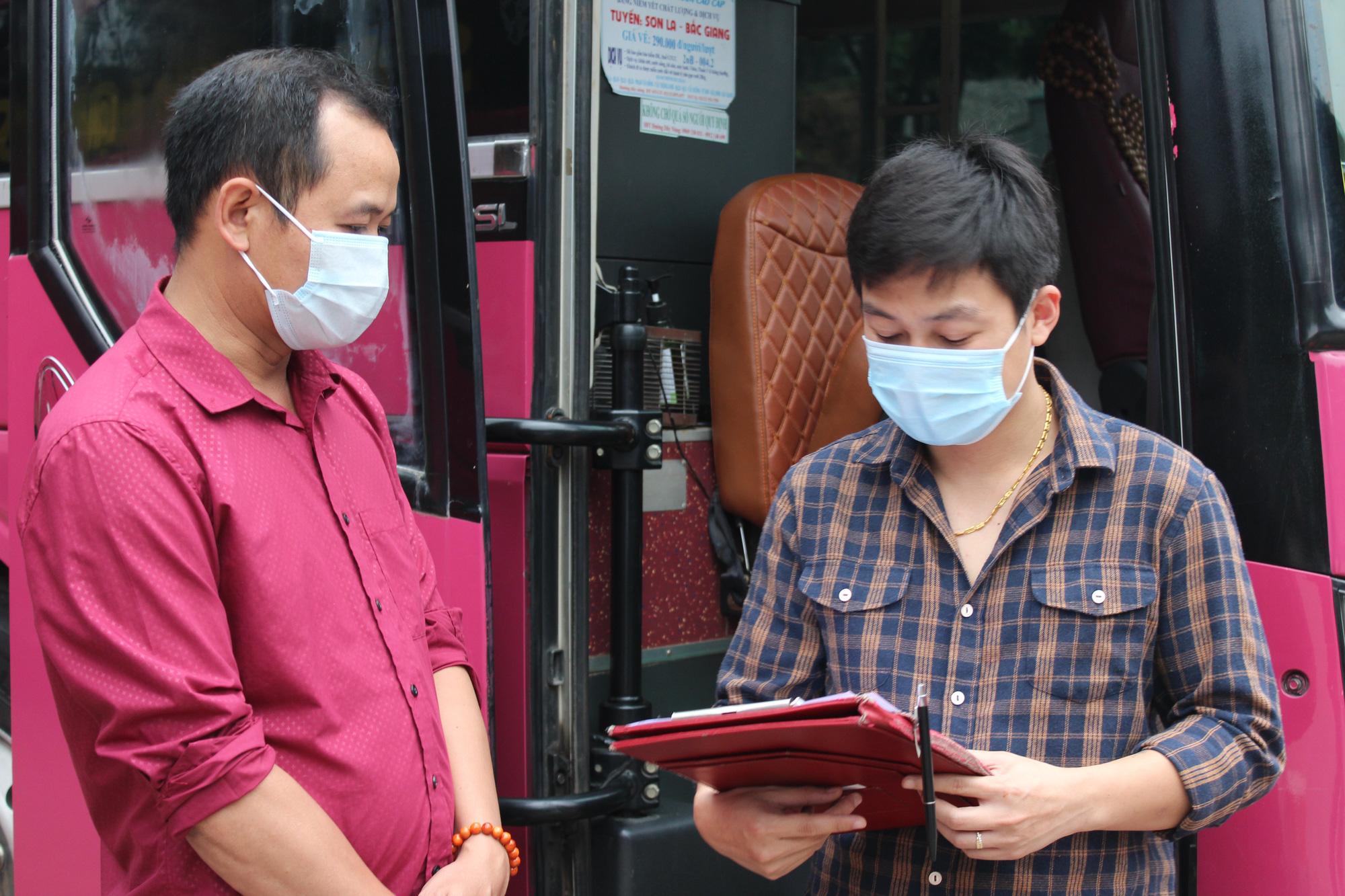 Hoạt động trở lại 50% số chuyến vận tải hành khách tuyến Lai Châu - Hà Nội - Ảnh 1.