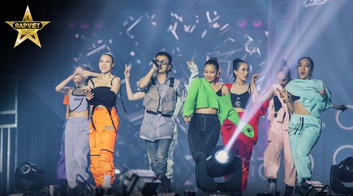 Concert 'Rap Việt All-Star' chính thức được công chiếu trên YouTube - Ảnh 1.