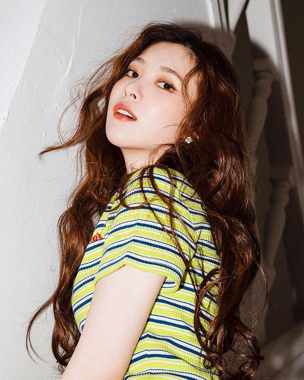 Sự nghiệp bị hủy hoại, phải làm phục vụ quán cà phê của nữ ca sĩ Hàn - Ảnh 8.