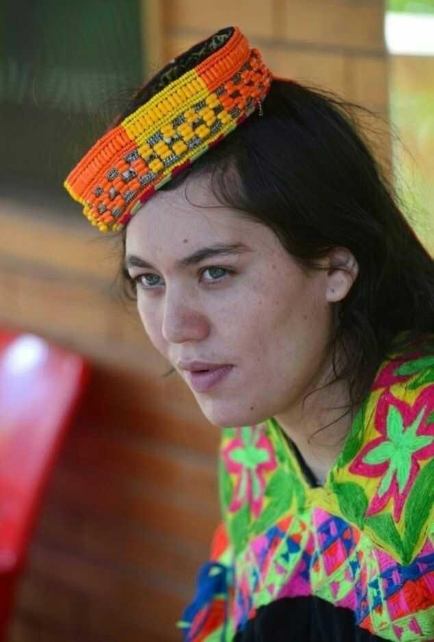 Những bộ tộc sở hữu nhiều mỹ nữ nhất thế giới - Ảnh 4.