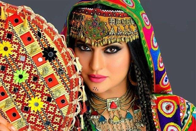 Những bộ tộc sở hữu nhiều mỹ nữ nhất thế giới - Ảnh 5.