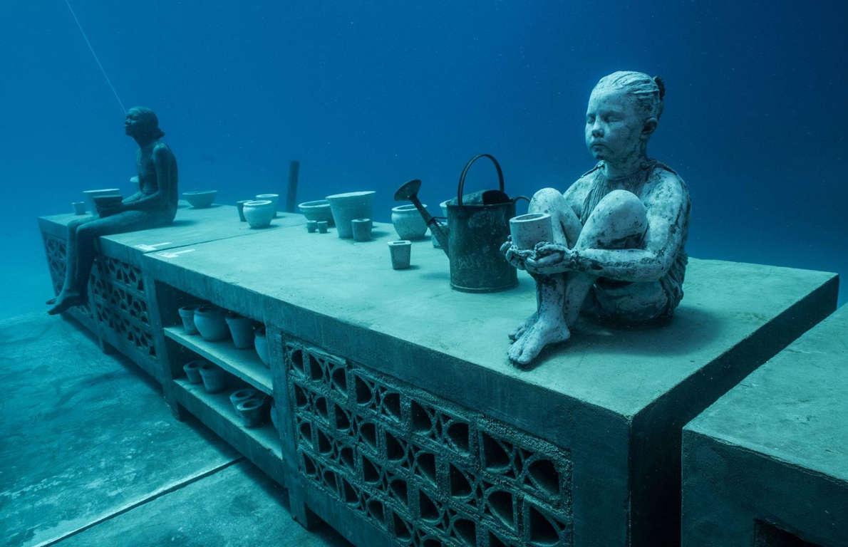 Những kỳ quan ma mị dưới lòng đại dương - Ảnh 2.