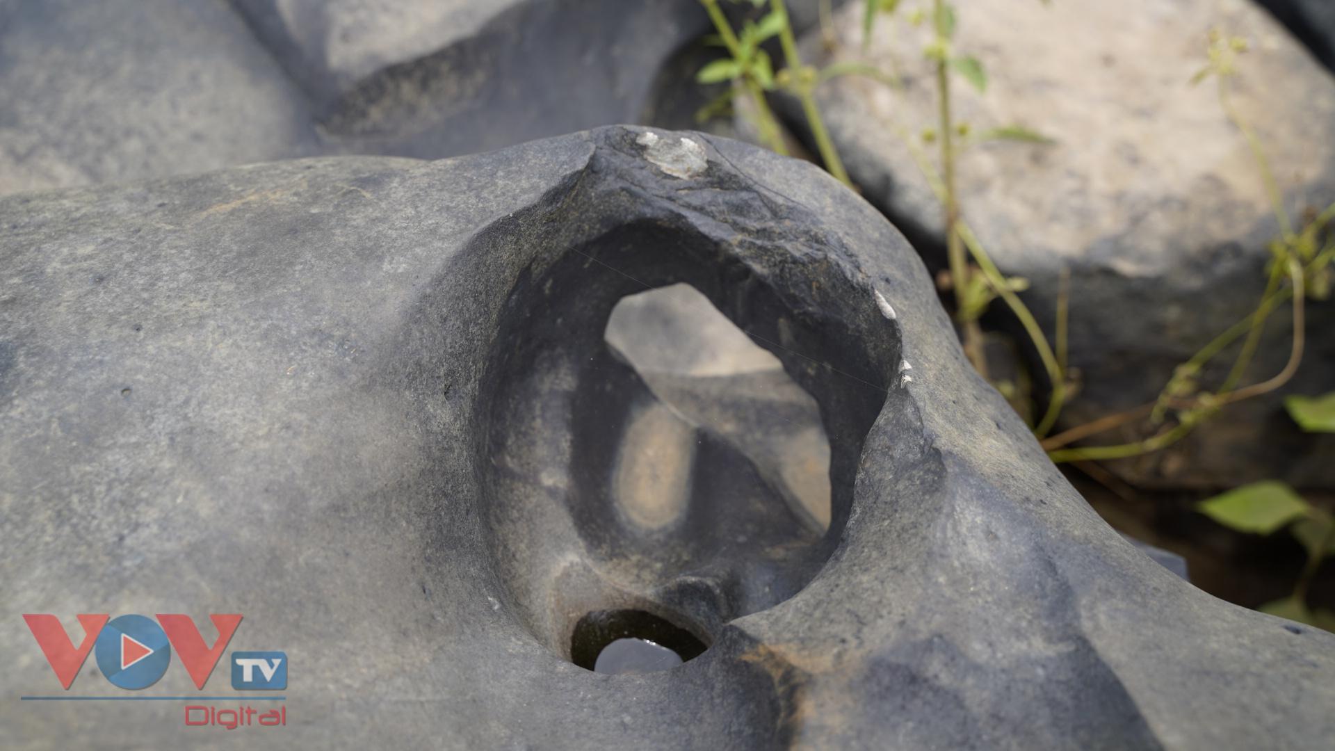 Gia Lai: Mê đắm vẻ đẹp hoang sơ của suối đá núi lửa Ia Ruai - Ảnh 3.