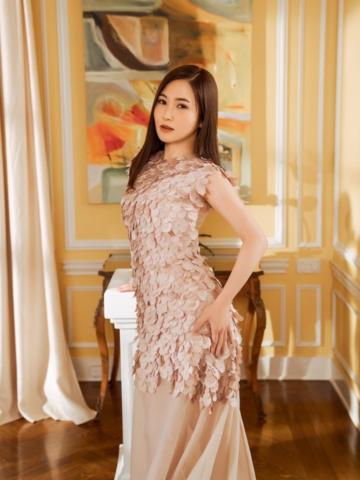 Hương Tràm trở lại âm nhạc với bài hát mới của Tú Dưa - Ảnh 1.