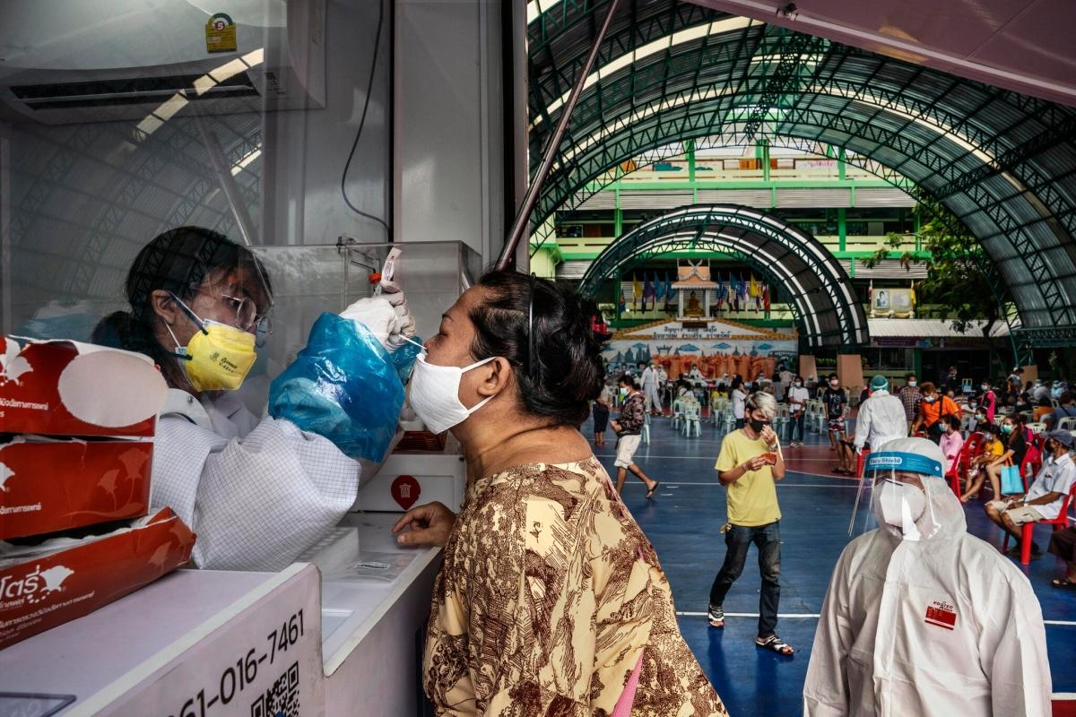 Những buổi tiệc đêm xa xỉ khiến dịch Covid-19 bùng phát ở Thái Lan - Ảnh 4.