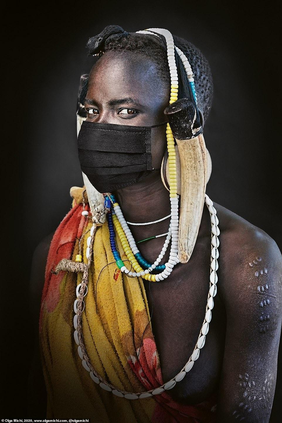 Chân dung các bộ lạc độc đáo trên thế giới - Ảnh 3.