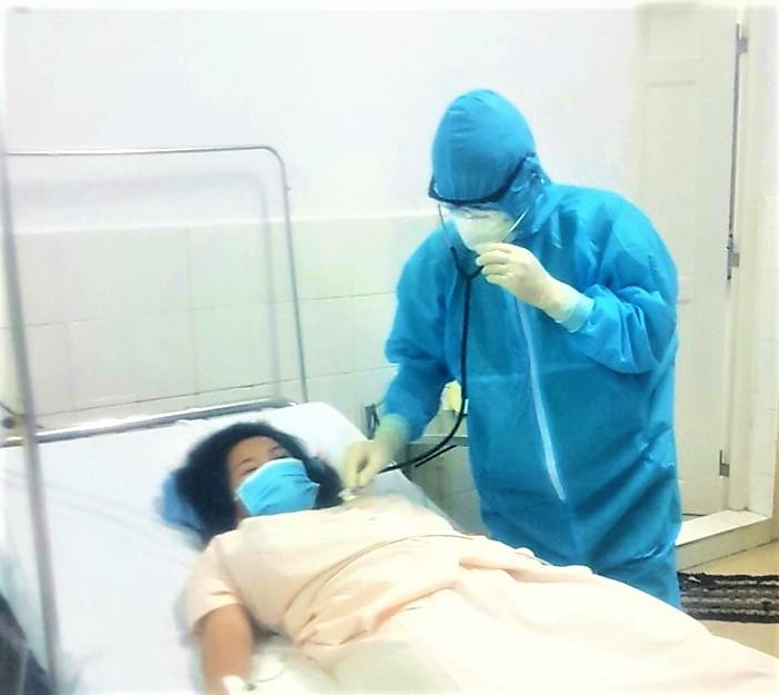 Thêm một sản phụ nghi nhiễm COVID-19 được phẫu thuật bắt con an toàn - Ảnh 1.