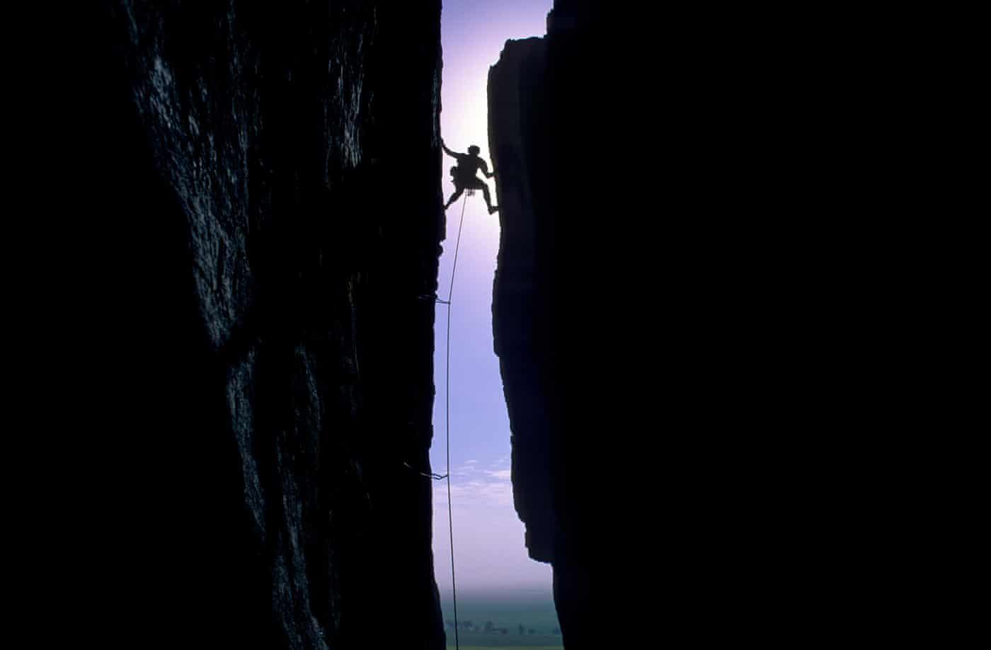 Người chuyên săn ảnh trên vách núi - Ảnh 4.