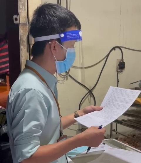 Xuất hiện clip Phó Chủ tịch UBND phường Vĩnh Hòa xử lý lò bánh mì - Ảnh 1.