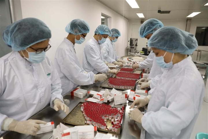 Cận cảnh quy trình gia công vaccine COVID-19 Sputnik V của Nga tại Việt Nam - Ảnh 12.