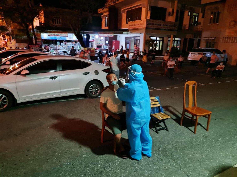 Thành phố Đồng Hới (Quảng Bình) giãn cách theo Chỉ thị 15 - Ảnh 2.