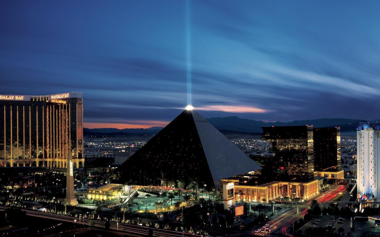 8 công trình kiến trúc kim tự tháp độc đáo - Ảnh 5.