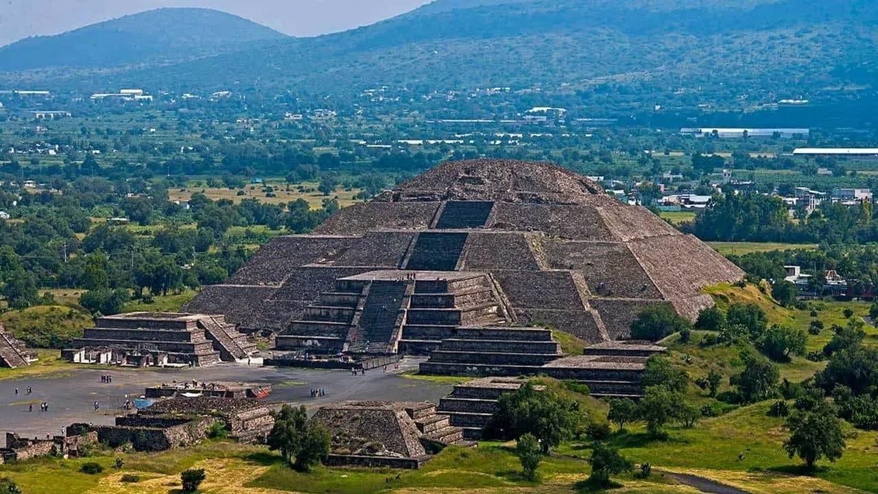 8 công trình kiến trúc kim tự tháp độc đáo - Ảnh 8.