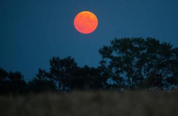 15 bức ảnh Trăng Hươu tháng 7 tuyệt đẹp trên khắp thế giới - Ảnh 8.