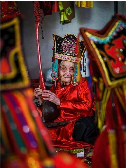 Nghệ nhân trăm tuổi Mỗ Thị Kịt: Một đời với then - Ảnh 1.