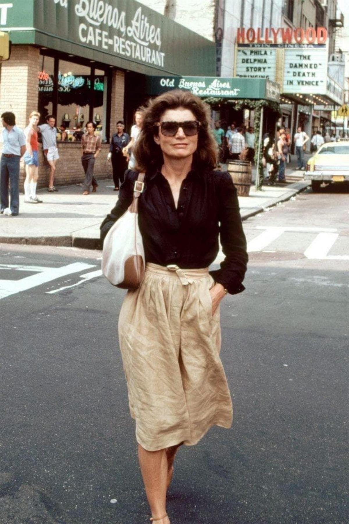 8 chiếc túi xách được đặt tên theo người nổi tiếng, gây bão làng thời trang - Ảnh 1.