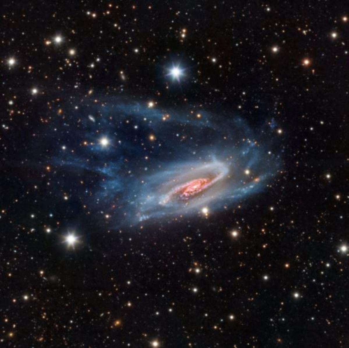 Những hình ảnh ấn tượng khiến chúng ta trầm trồ về vẻ đẹp của vũ trụ - Ảnh 15.