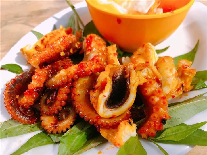 Những món hấp dẫn từ bạch tuộc sẽ khiến bạn 'phải lòng' ngay từ lần đầu chạm môi - Ảnh 1.