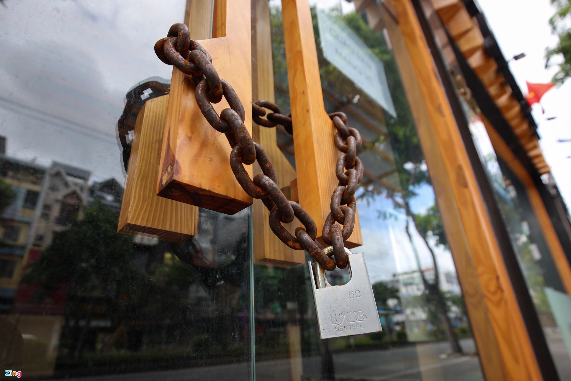 Hàng quán ở TP.HCM ngại đăng ký mở lại, chờ đến sau 15/9 - Ảnh 1.