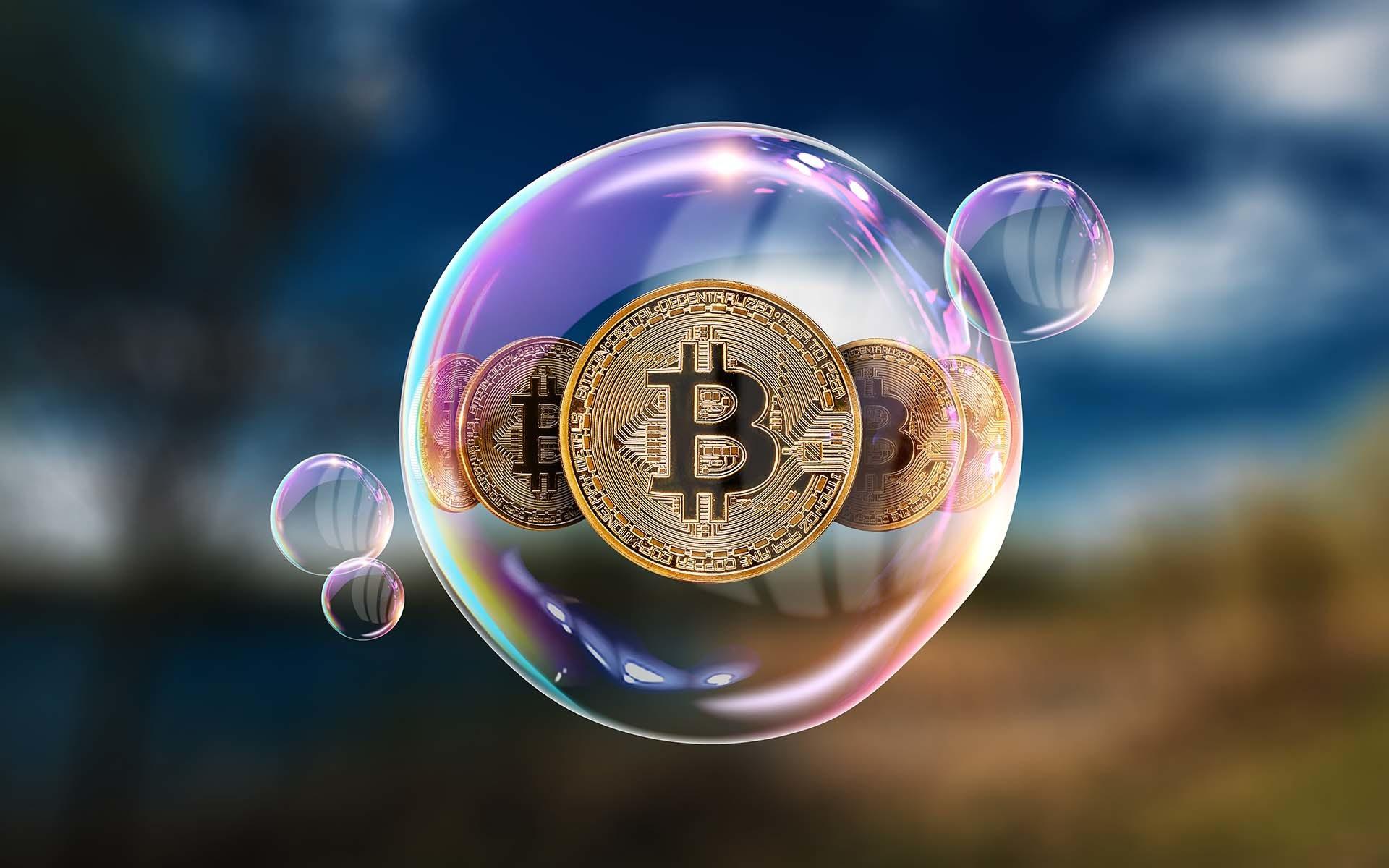Các nhà quản lý lo sợ vụ sụp đổ năm 2017 của Bitcoin lặp lại - Ảnh 1.