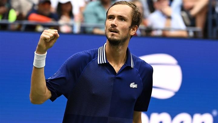 Chung kết US Open: Djokovic thua trắng, lỡ cơ hội vượt mặt Nadal và Federer - Ảnh 1.