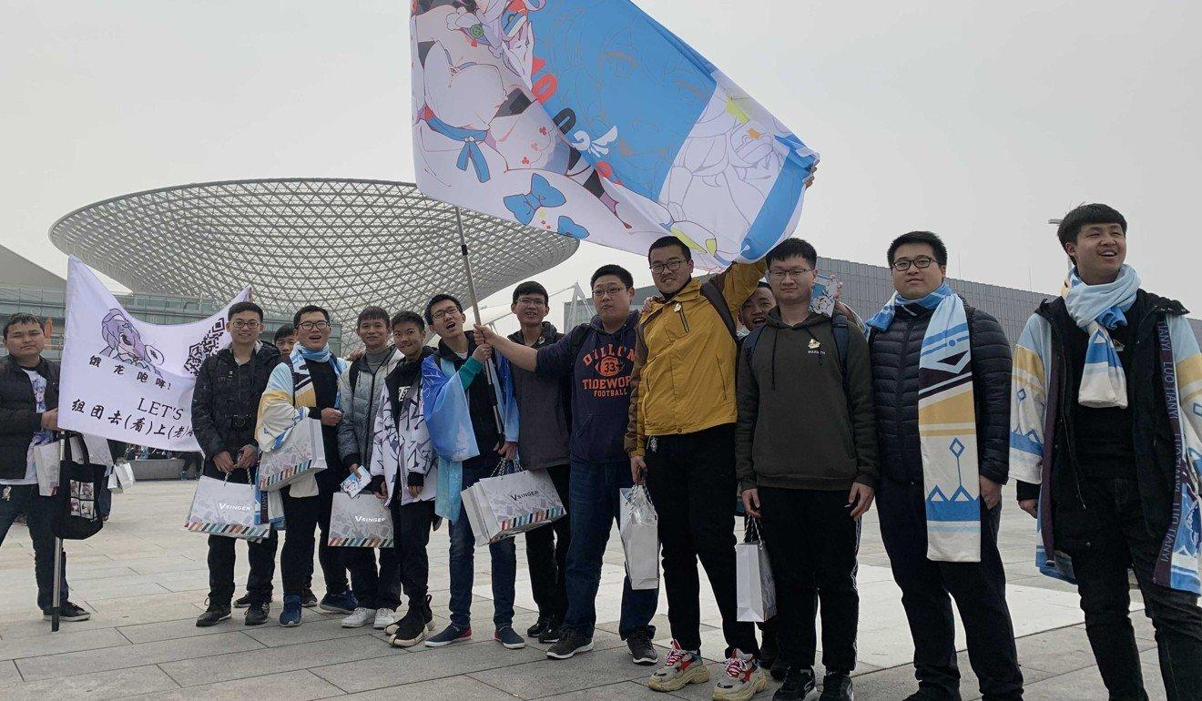 Ngành kinh doanh thần tượng ảo trị giá hàng trăm triệu USD đang nổi tại Nhật Bản, Hàn Quốc: Khi giới trẻ chán thần tượng 'bằng xương bằng thịt' nhiều scandal - Ảnh 2.