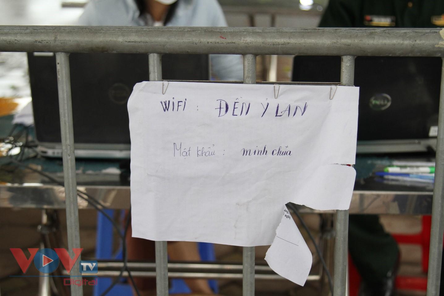 Cận cảnh camera tự động quét QR code tại chốt kiểm soát ra vào Thủ đô - Ảnh 12.