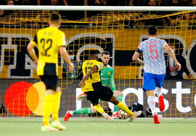 Kết quả Young Boys 2-1 Man United: Ronaldo ghi bàn, MU vẫn thua đau - Ảnh 4.