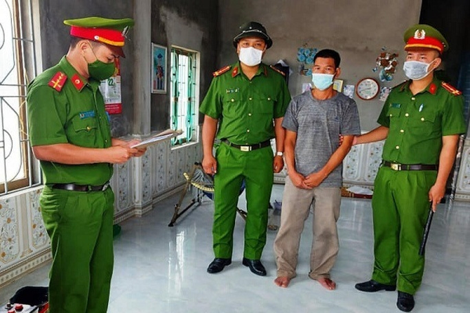 Chủ tịch xã bị đánh đến nhập viện khi đang kiểm tra phòng, chống dịch - Ảnh 1.