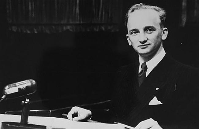75 năm phiên tòa Nuremberg, công tố viên cuối cùng còn sống vẫn không ngừng truyền tải thông điệp hòa bình - Ảnh 2.