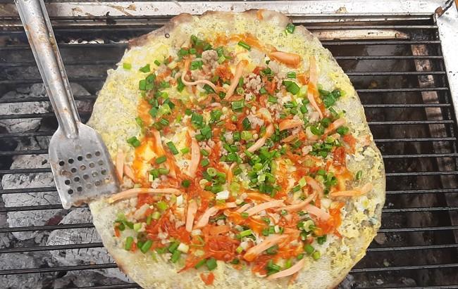 """Bánh tráng nướng - """"Pizza đường phố"""" Sài Gòn - Ảnh 2."""
